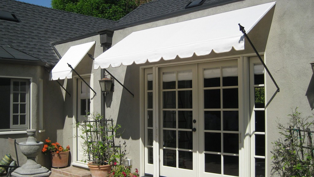 Awning with spears