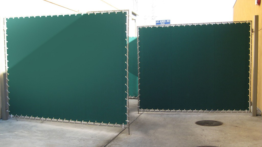 Green outdoor privacy screens