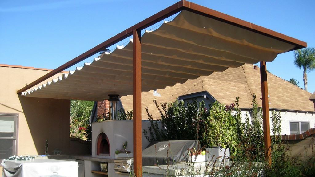 This barbecue awning is a style known as sliding on wire